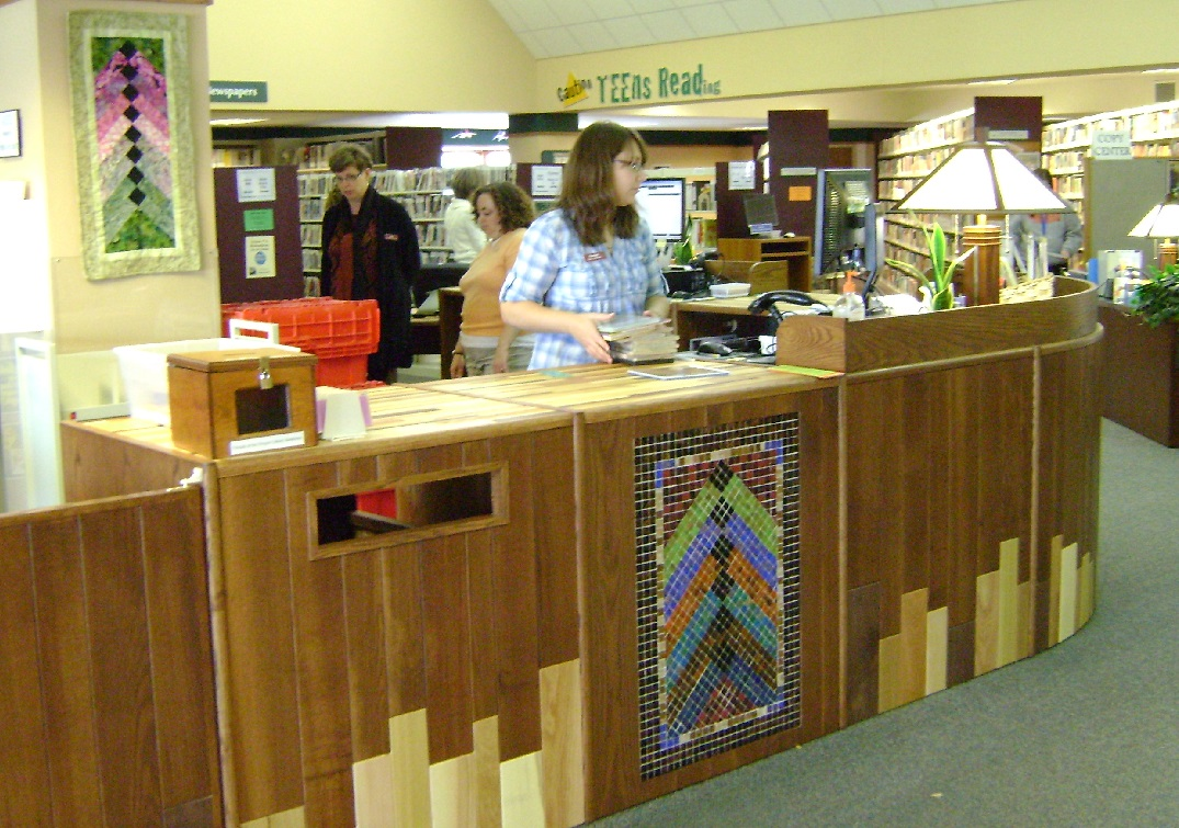 Photo of centennial desk in operation